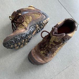 merrell hiking boots women
